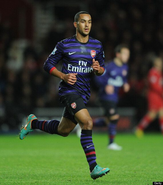 Theo Walcott Close To Signing Arsenal Contract? (TRANSFER