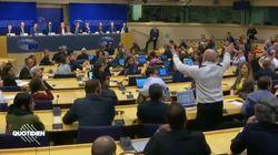 Le Pen et ses alliés applaudis en conférence de presse à Bruxelles, un journaliste