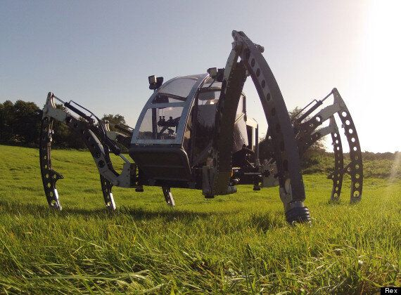 Mantis: The Six-Legged, Record-Breaking Walking Robot Made In Winchester (VIDEO)