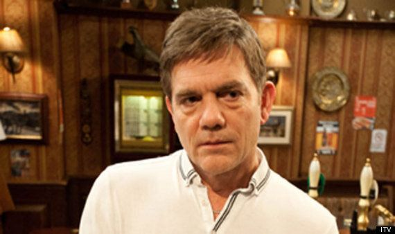 'Coronation Street' Star Jane Danson Hints Killer Karl Munro Could Attack Leanne