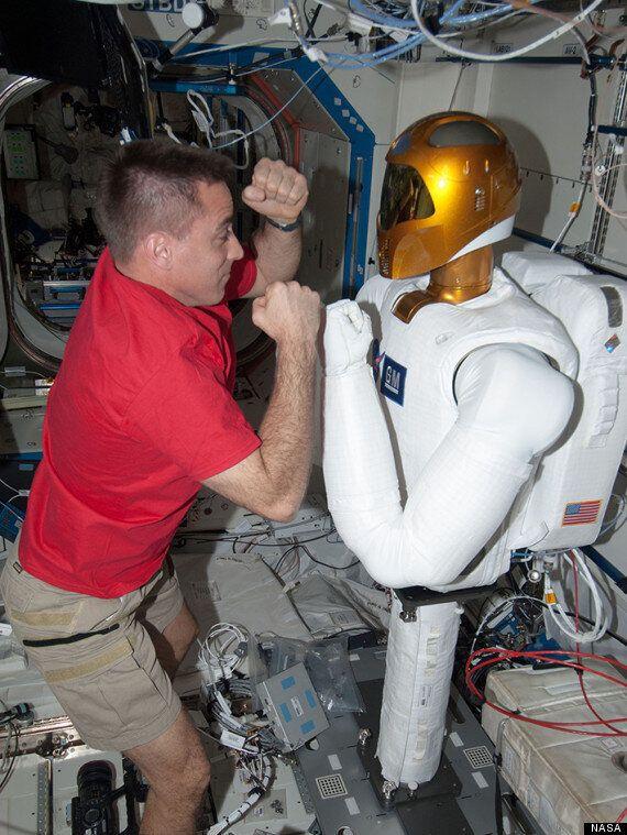 Astronaut Vs. Robonaut 2 On International Space Station