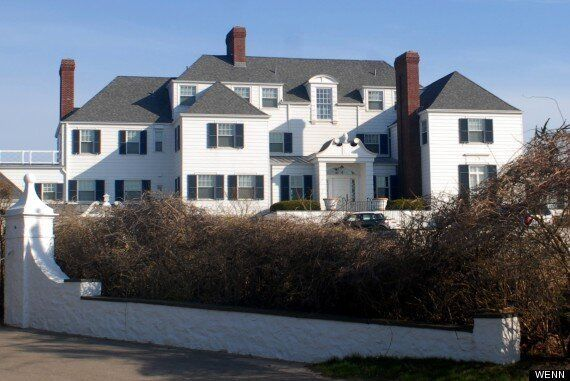 Taylor Swift Pays $17m In CASH For Rhode Island Beachfront Mansion