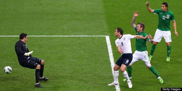 LONDON, ENGLAND - MAY 29: Frank Lampard of England beats Glenn Whelan of Republic of Ireland to the ball...