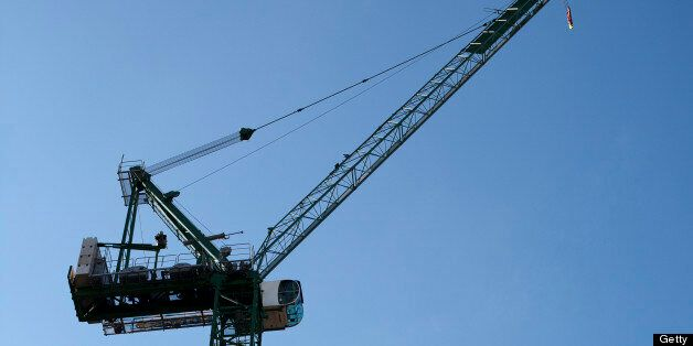 The man fell from the crane onto the motorway (file