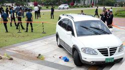 국회로 차량 돌진한 남성이 경찰에 체포당한 뒤 한