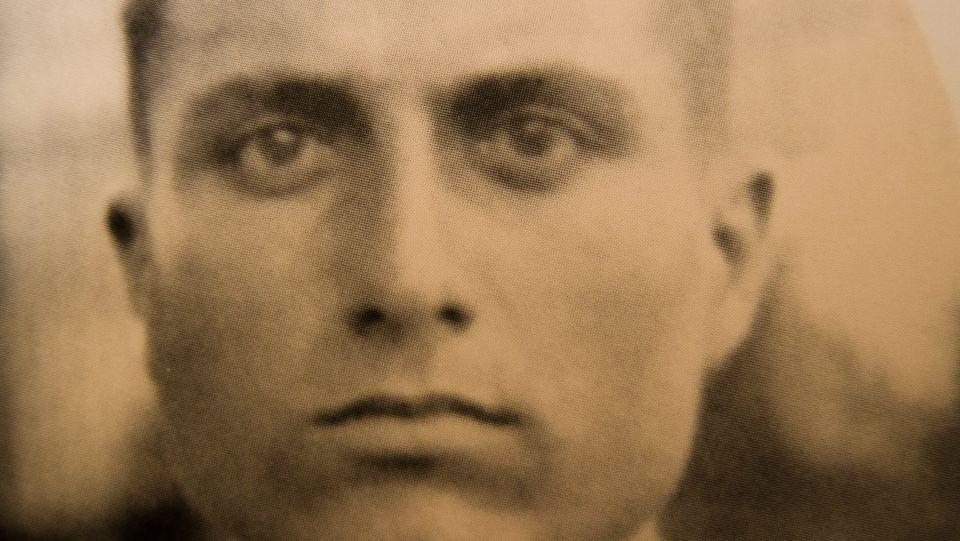 Εμμανουήλ Ν. Παπαμανώλης,