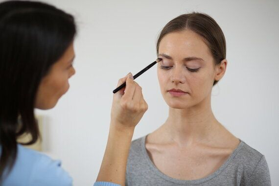 Make-Up Tips To Combat Allergy Face This
