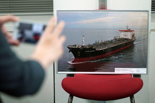 «Ιπτάμενα αντικείμενα» έπληξαν το ιαπωνικό τάνκερ στον Κόλπο του Ομάν σύμφωνα με τον πρόεδρο της