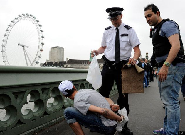 London Police Nab Con Artists On Westminster Bridge After Turning Up On Double Decker Bus