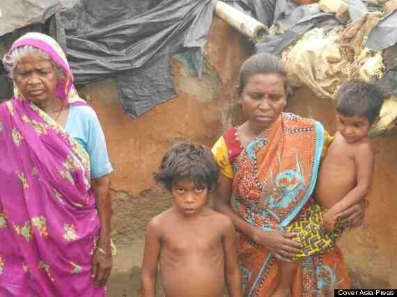Chotu Kumar, Poverty Stricken Boy, 6, Seen Suckling From Stray Indian Dog