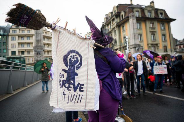 Ελβετία: Απεργούν οι γυναίκες ζητώντας ισότητα στους