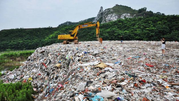 Un vertedero cerca del lago Taihu, en la provincia china de Jiangsu, el 4 de julio del