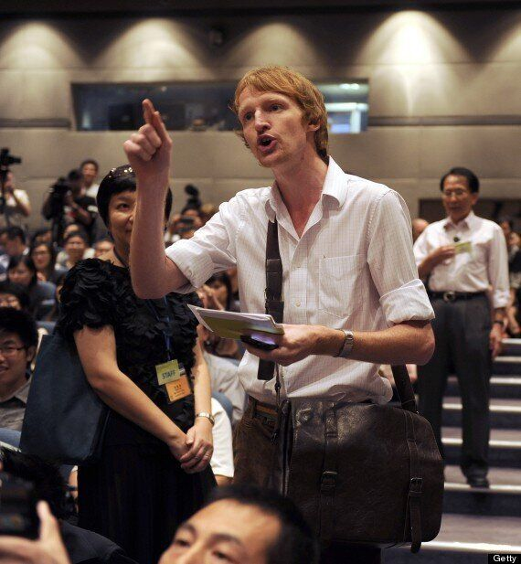 Briton Tom Grundy Attempts Citizen's Arrest On Tony Blair In Hong Kong