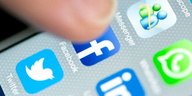 Mindfulness Online - Why Social Media Isn't The Problem We Might Think It