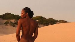 Naomi Campbell, regina del deserto senza veli (e senza età), fa impazzire