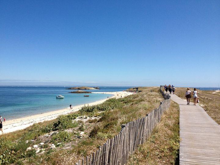 L'archipel des Glénan accueille d'avril à novembre près de 3.000 visiteurs par jour.