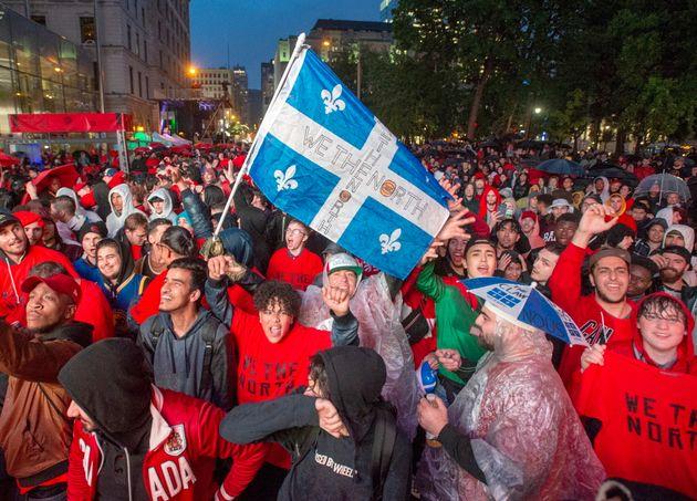 Des milliers de personnes étaient dans la rue à Montréal pour regarder le match...