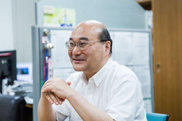 研究の過程を話すACCの岡慎一センター長=2019年6月7日、東京都新宿区