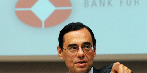 Jaime Caruana, general manager of the BIS (Bank for International Settlements), delivers a speech at...