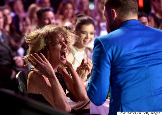 Taylor Swift And Justin Timberlake Act React To Singer's 'Blank Space' iHeartRadio Award Win (FULL WINNERS