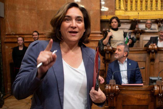 Las bases de Barcelona En Comú apoyan masivamente que Colau siga como alcaldesa y gobierne con el