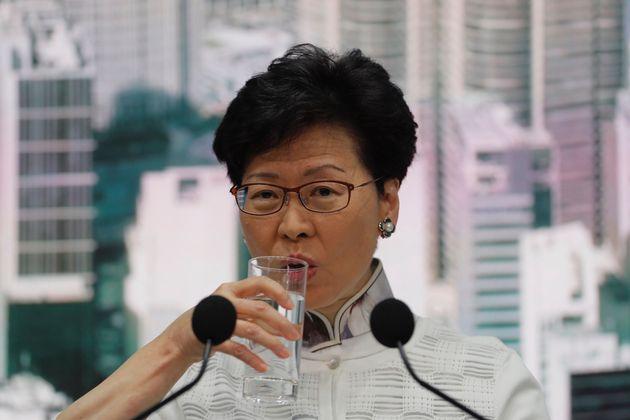 Κάνει πίσω το Χονγκ Κονγκ στην έκδοση υπόπτων στην Κίνα - Συνεχίζονται οι