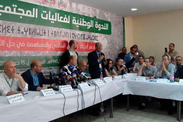 Algérie : La transition, ses étapes et ses