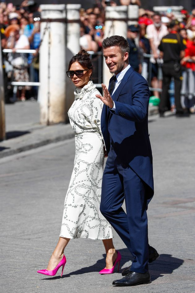 Por qué debes criticar a Victoria Beckham por cómo ha ido a la boda de Pilar
