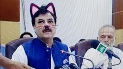 파키스탄 정치인이 기자회견 도중 고양이로 변신하고 말았다