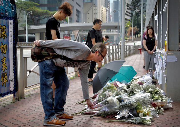홍콩 범죄인 인도법 반대 시위 벌이던 남성이 추락해