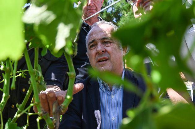 Didier Guillaume, ministre de l'Agriculture en visite dans la Drôme après de violents orages,...