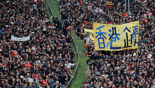 Hundreds Of Thousands Of Hong Kong Protesters Demand Leader's