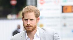 La preciosa foto del bebé del príncipe Harry para felicitarle su primer Día del