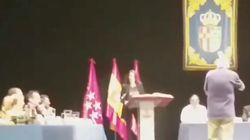 """″¡Fuera!"""": Una concejal de Podemos en Getafe, abucheada durante su toma de"""