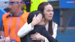 Após sofrer 2 goleadas, seleção tailandesa marca 1º gol e leva diretora às