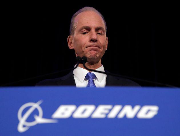 Boeing: Κάναμε λάθος στη διαχείριση ενός προβλήματος πριν τις συντριβές δύο 737