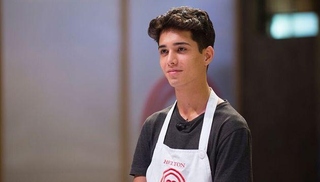 O participantes mais jovem da história do Masterchef Brasil, Helton está de volta à