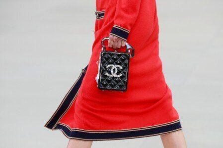 Le chiffre d'affaires de Chanel, une des trois marques leaders du luxe mondial, a progresséde...