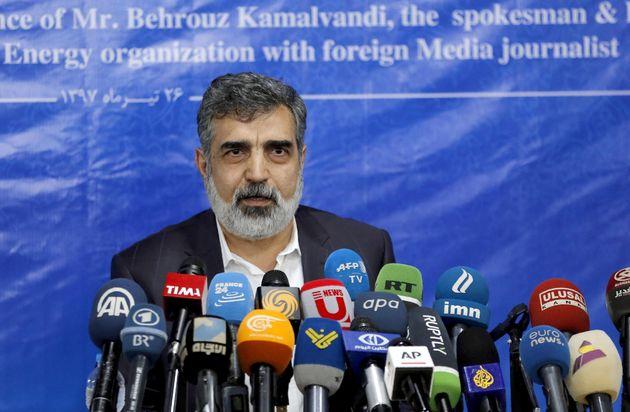 L'Iran pronto a disobbedire sul nucleare. Chiede l'intervento dell'Europa, che si