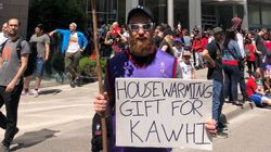 These Clever Fans At The Raptors Parade Are The Real