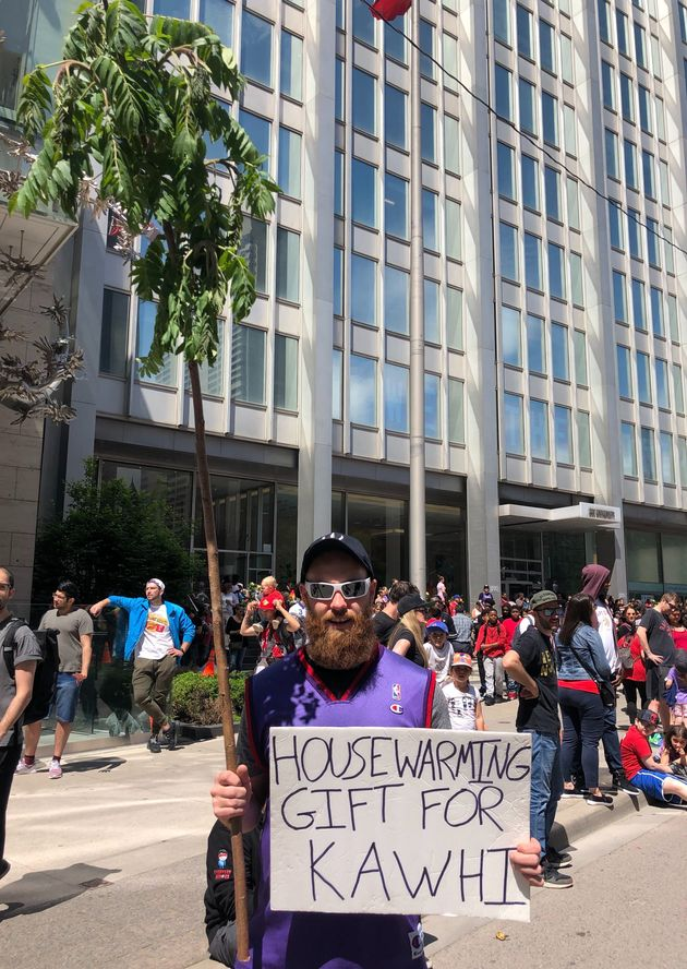Raptors Parade Fans Had The Best Signs And Tributes