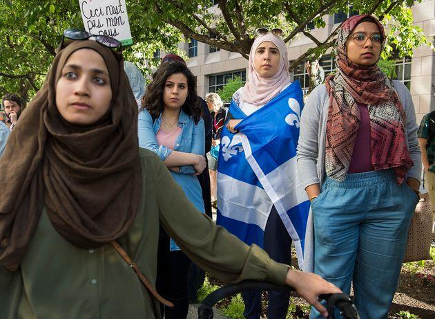 Des manifs contre la loi sur la laïcité à Montréal et à