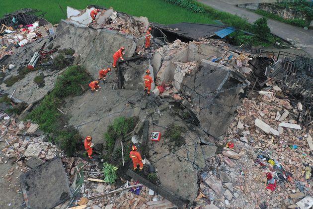 Ισχυροί σεισμοί στην Κίνα: Αυξάνονται οι νεκροί και