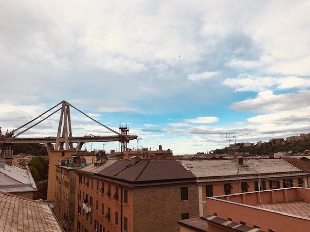 Ponte Morandi, esposto contro le