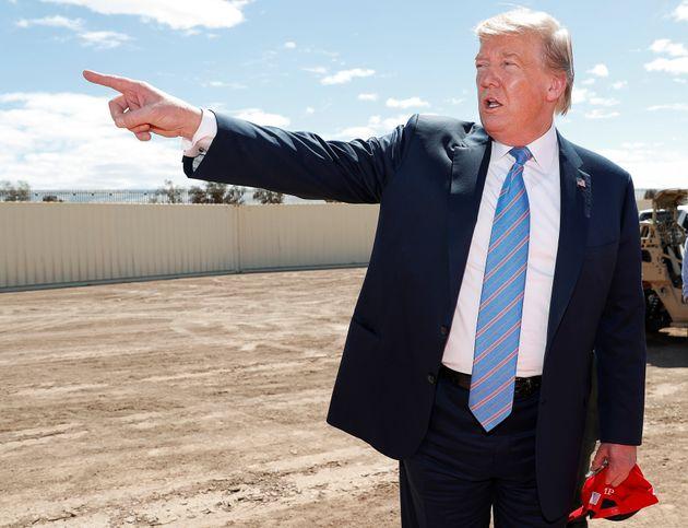 Donald Trump en Calexico, en la frontera con México, exponiendo sus planes de muro, el pasado
