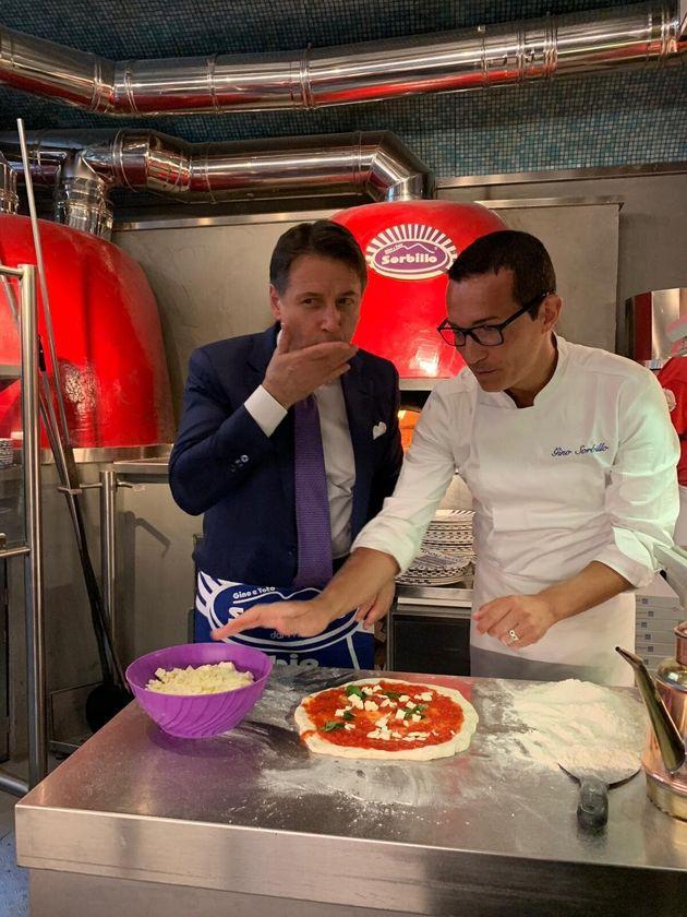 Conte pizzaiolo da Sorbillo: