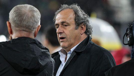 Attribution du Mondial 2022 au Qatar: Platini placé en garde à