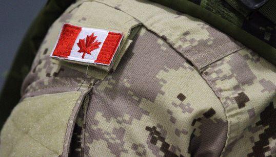 Un accident de parachute coûte la vie à un soldat canadien en