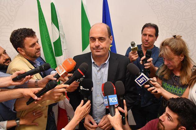 Zingaretti e Guerini firmano la tregua, tra i mal di pancia della minoranza (e senza un voto