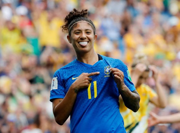 Seleção fez sua estreia naCopa do Mundo da França com três gols de